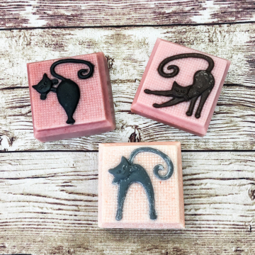 Goat Milk Soap, Ylang Ylang Lavender Slinky Cat Handmade Soap with All-Natural Colorants, Perfect Cat Lover Gift, Valentine's Gift Mother's Day Gift